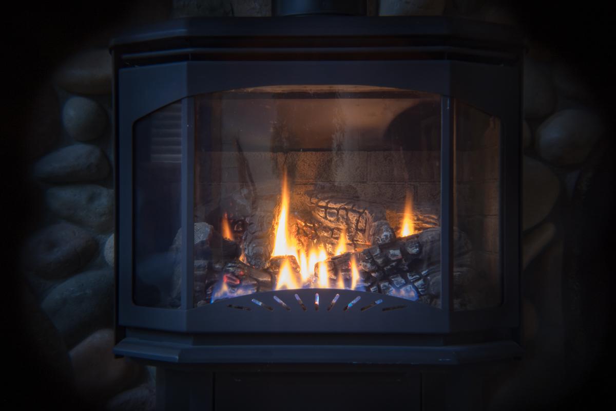 1043 Holdga Fireplace_1200.jpg