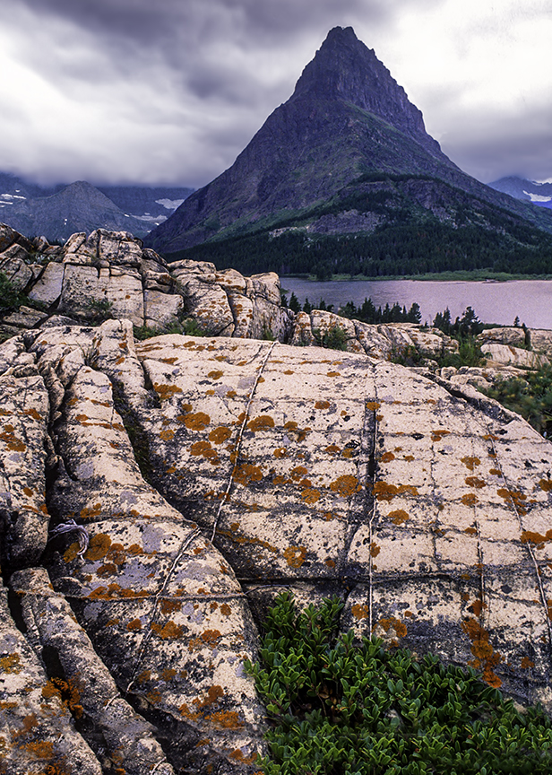 Grinnell Point from Many Glaciers Viewpoint, Glacier National Park, MT.jpg