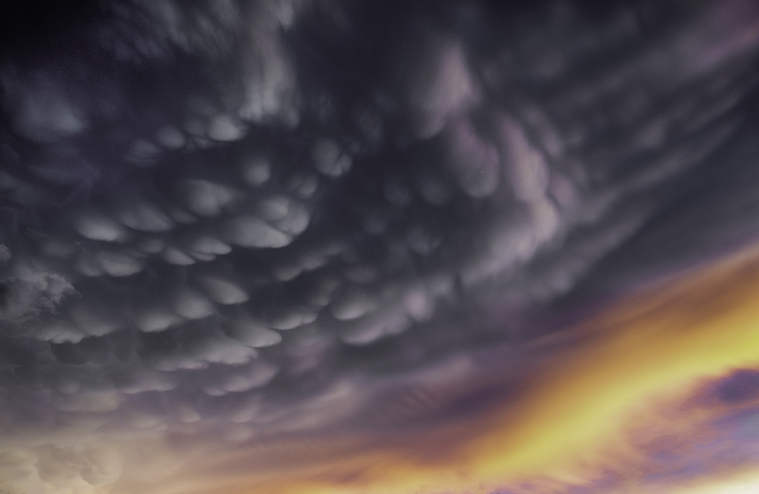 Mammatus clouds over Cottonwood II.jpg