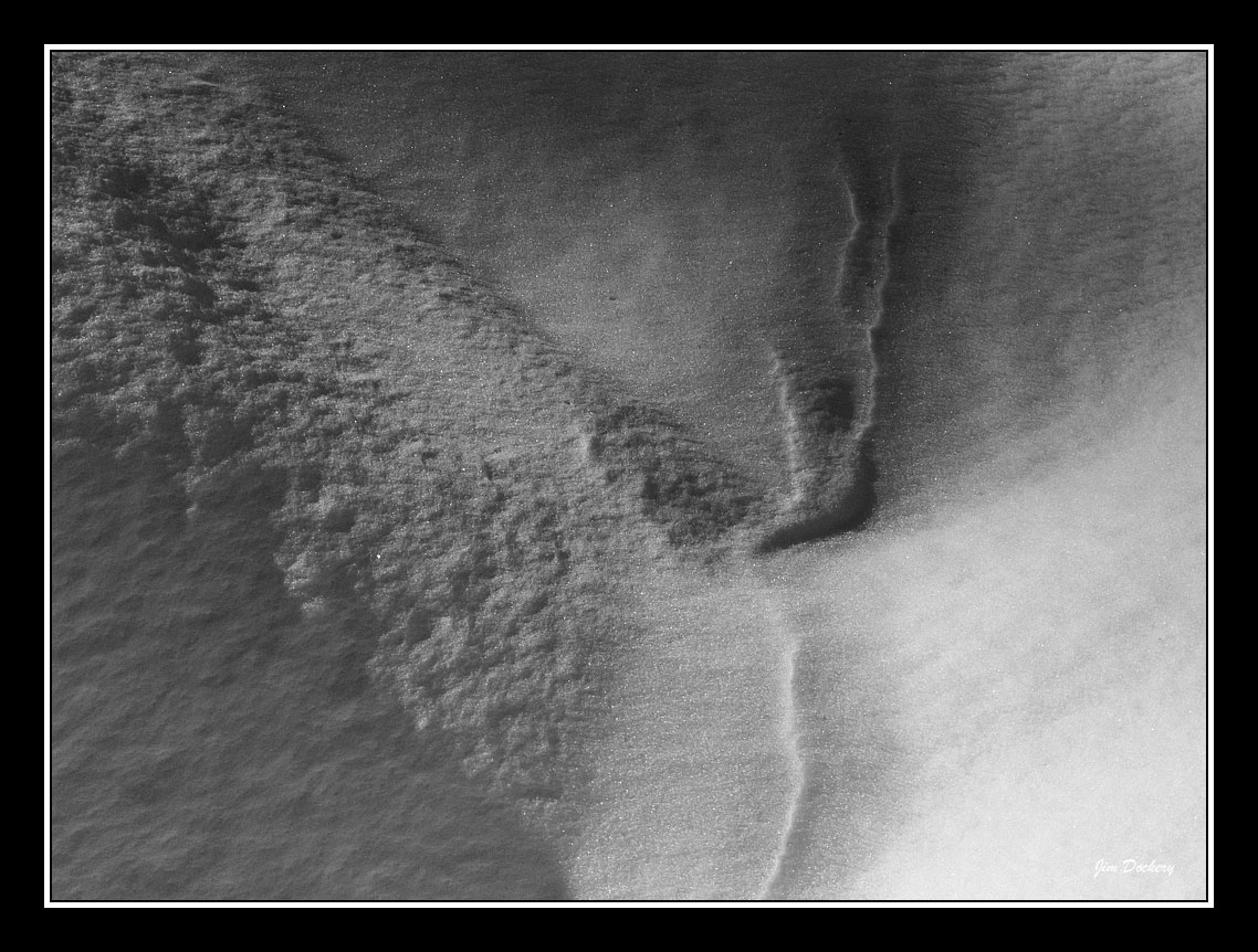 Snow-patterns-bw.jpg