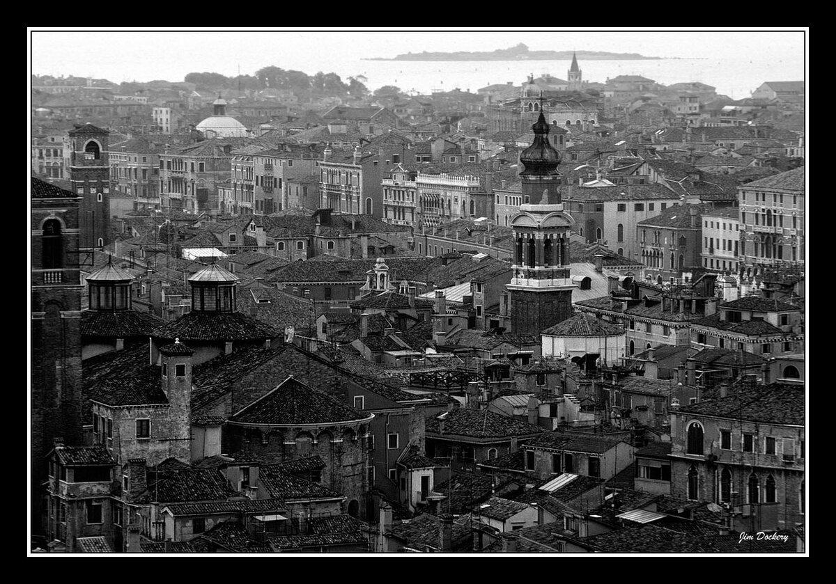 Venice-BW.jpg